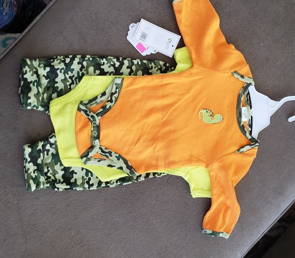 Baby Gear Other - Baby boys Dino set